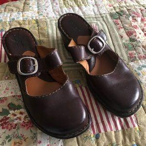 Born Clog Size 8